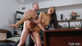 Sweetie screams her main ingredient out during her first office fuck