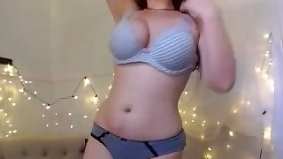 This curvy webcam charmer makes me want close by fuck their way