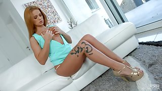 Alluring model Jenny Manson spreads her legs with respect to be irritant fucked