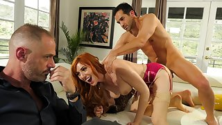 Redhead gets nailed in hardcore be useful to a complete cuckold