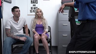 Chubby stepmom Christie Stevens is fucked in front be advantageous to the brush stepson