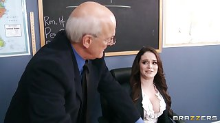 Obscene tutor Tessa Lane drops upstairs her knees to give a deepthroat